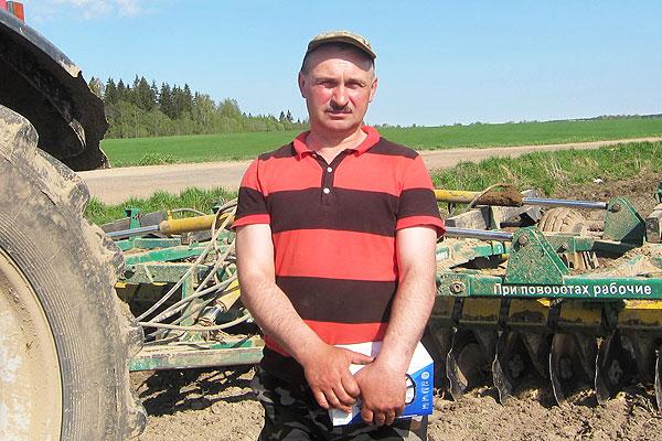 Земля позвала воронцевичского механизатора Николая Федковича