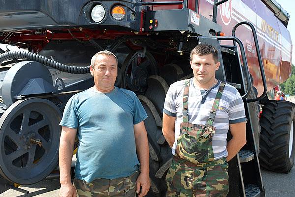 Парк комбайнов Толочинского консервного завода пополнился новой техникой