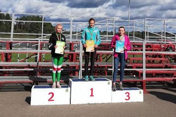 Юные толочинские биатлонисты завоевывают награды в беге и лыжероллерах