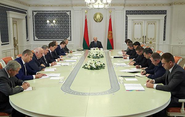 Тема недели: Президент Беларуси провел совещание по итогам переговоров в Сочи