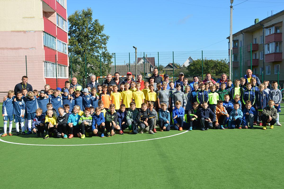 Юные футболисты разыграли в Толочине призы от Георгия Кондратьева (+фото)