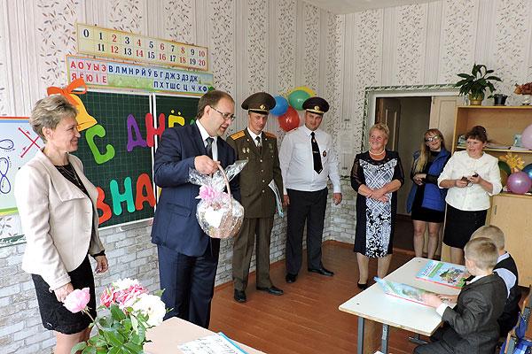 День знаний в Толочинском районе прошел празднично и по-деловому