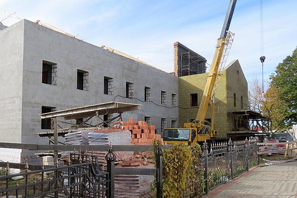 На территории женского монастыря в Толочине ведется строительство новых объектов