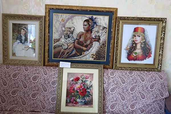 Толочинская мастерица Лилия Леонова работает в ожидании чуда красоты