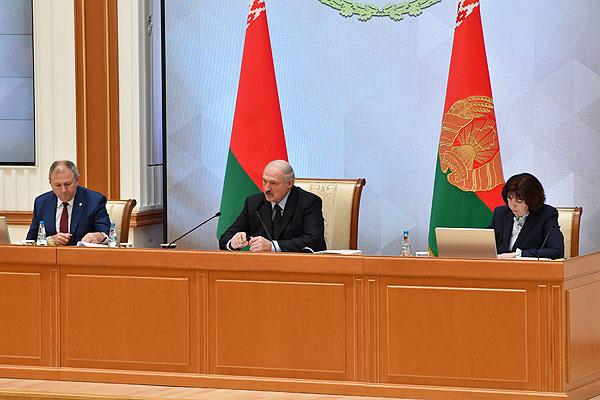 Тема недели: Президент обозначил основные задачи в развитии стройотрасли