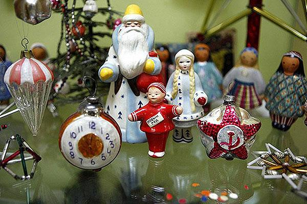 Подари музею в Толочине старинную новогоднюю игрушку