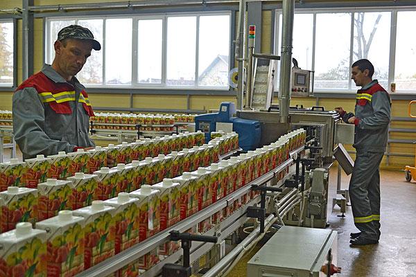 На Толочинском консервном заводе взаимно дополняют и обогащают друг друга производство и наука