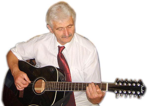 Чем бы ни занимался Владимир Валентович из Толочина, с музыкой не расставался никогда