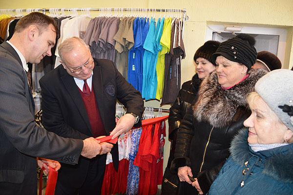 Приходите, покупайте: в Толочине открылся новый магазин трикотажных изделий