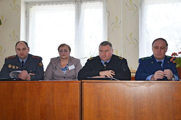 В Толочинском районе отчеты перед населением держат участковые инспекторы милиции