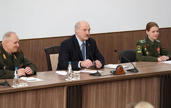 Тема недели: Беларусь не отступит от реализации мирной внешней политики