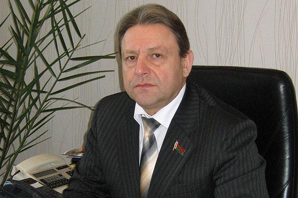 Анатолий Анюховский: примирила всех Конституция