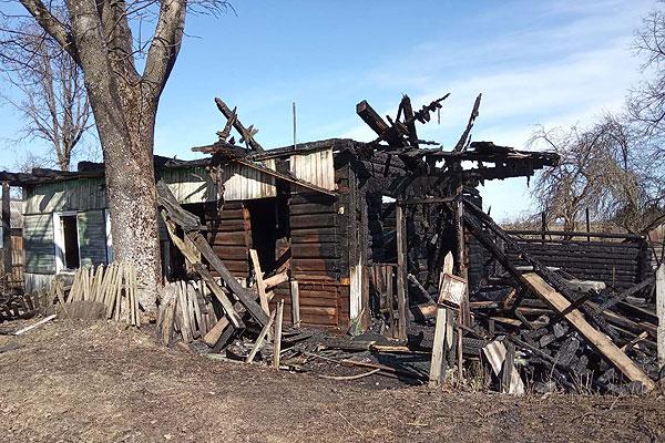 Житель Загородья в результате пожара с ожогами доставлен в больницу