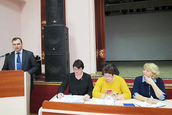 Быть в союзе с честью и не стоять на месте: в Толочине состоялось заседание совета районного объединения профсоюзов