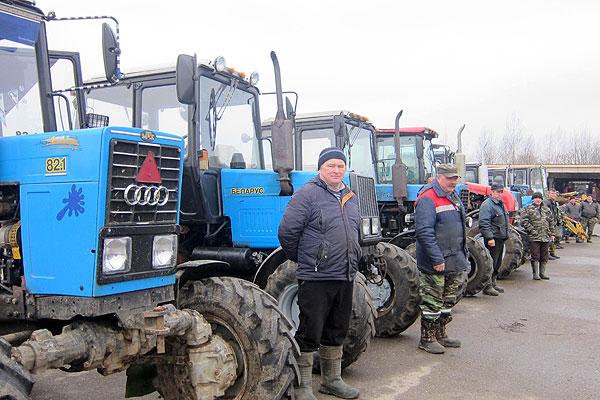В Толочинском районе ранняя весна зовет технику в поле