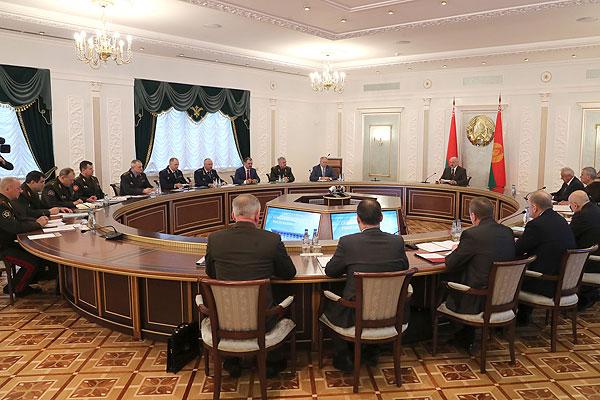 Тема недели: Президенту представили проект Концепции информбезопасности Беларуси