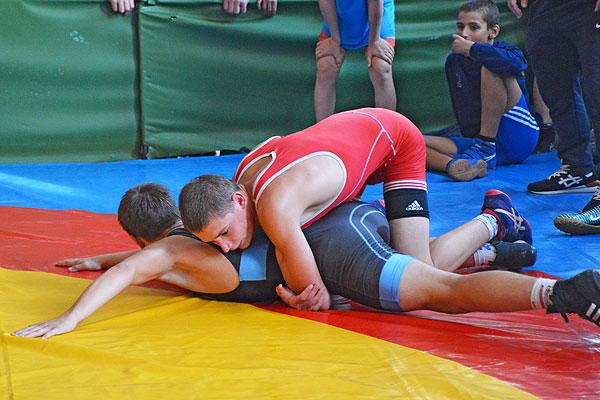 Толочинский борец Никита Жигалка завоевал бронзу республиканских Олимпийских дней молодежи