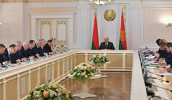 Тема недели: Президент Беларуси провел совещание по парламентской кампании
