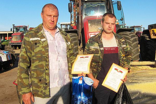 В Толочинском районе кормовые поля убираются мехотрядом