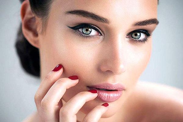 В Толочине открылся салон перманентного макияжа