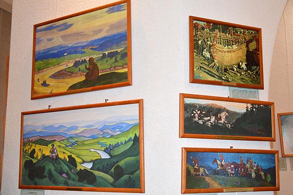 Художественное путешествие в глубину столетий: в Толочине развернута выставка репродукций картин Николая Рериха