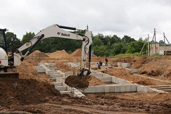 В Толочинском районе вопросы строительства в последнее время решаются последовательно, настойчиво и энергично