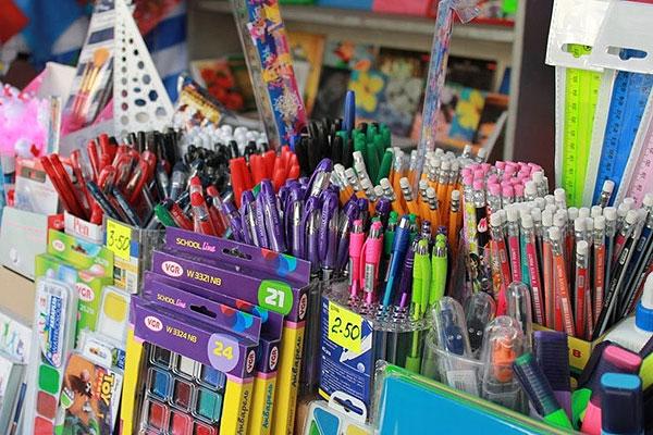 Школьные товары в Толочине — по сниженным ценам