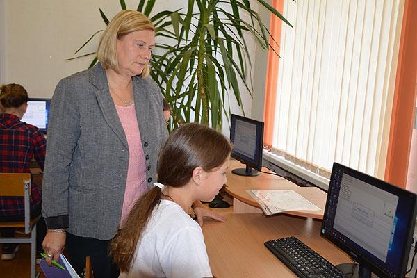 Лариса Демьянко из Коханово в числе первопроходцев в стране, которые начали изучать информатику как предмет преподавания в школе