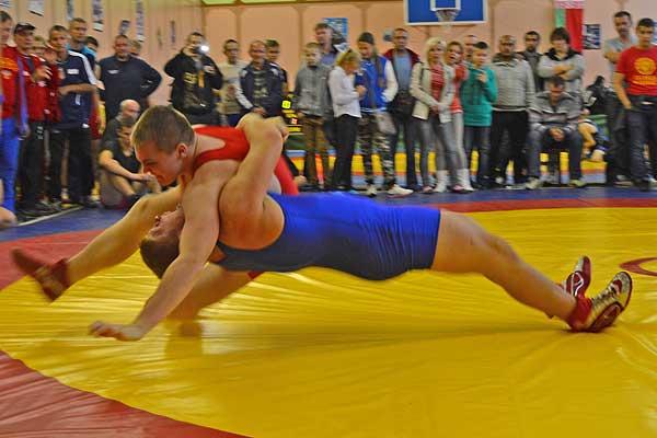 Толочинский борец Николай Камлюк выполнил норматив мастера спорта