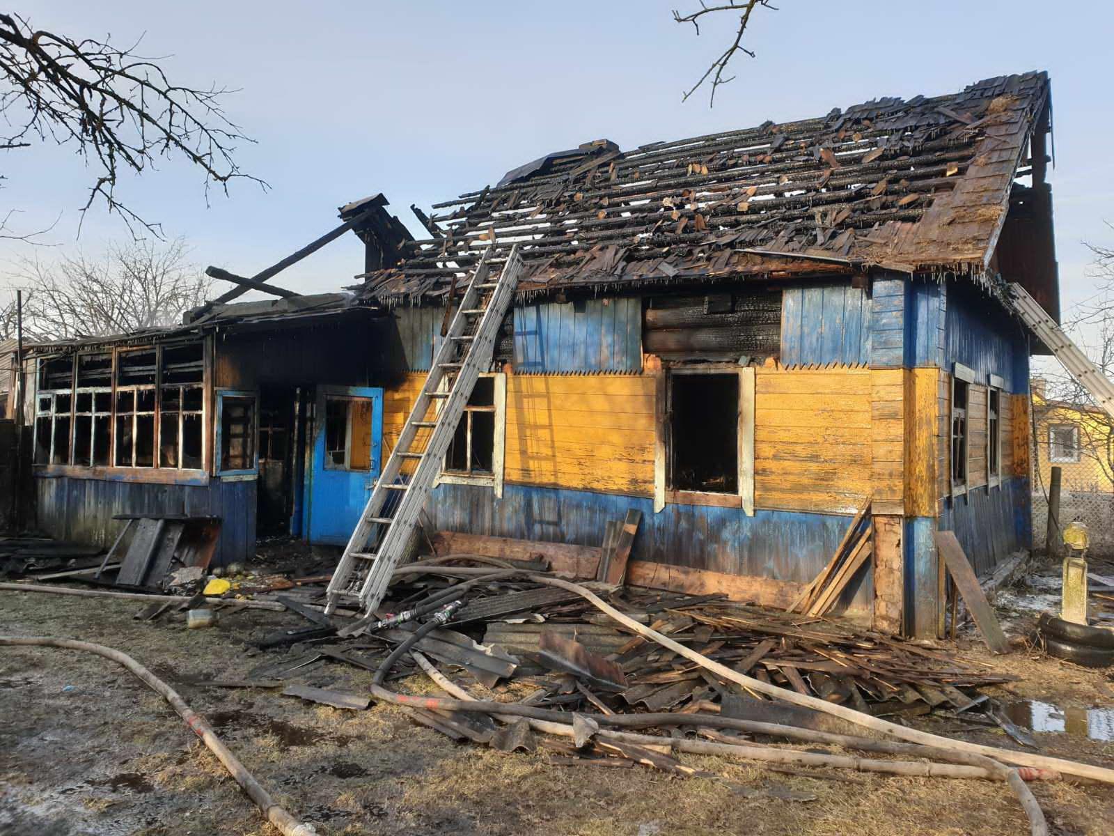 В Друцке в доме пенсионерки вспыхнул пожар — погиб её сын