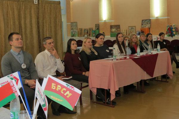 Открытый диалог с молодёжью состоялся в Толочине