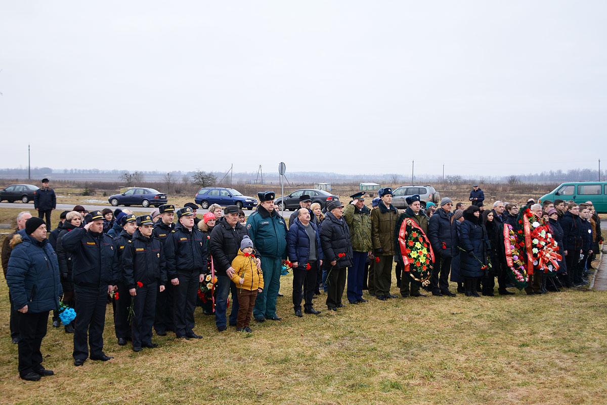 Грусть и скорбь переполняли чувства участников мероприятий в память воинов-интернационалистов в Толочине