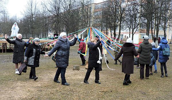 Коханава прывітала Масленіцу кірмашом, песнямі і танцамі (+фота)