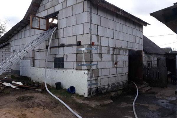 В Толочине огнём повреждена баня