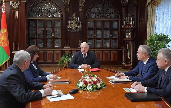 Тема недели: Лукашенко провел совещание по социально-экономическим и политическим вопросам