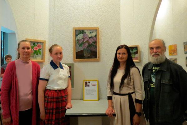 Семиклассница из Толочина Мария Пелевина — художница в третьем поколении