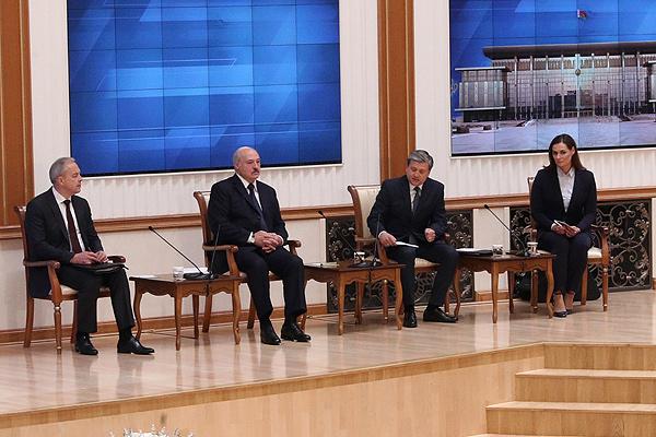 Тема недели: встреча Лукашенко с представителями крупнейших СМИ