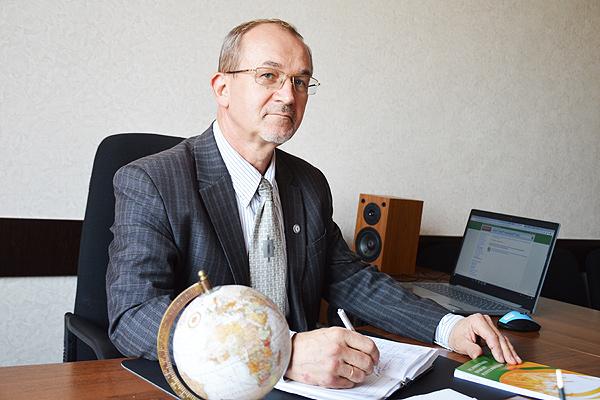 4 октября — День учителя Беларуси.  Знания как путеводный компас в нашей жизни