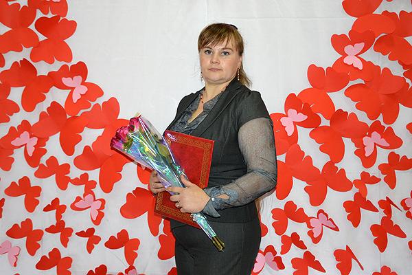 Весь мир начинается с мамы: в Толочине вручили районную премию имени Марии Осиповой