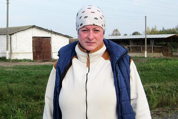Вести с ферм: Кристина Симакова добилась лучшего результата по надоям в сентябре в Толочинском районе