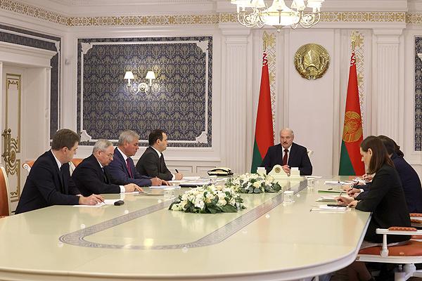 Тема недели: Лукашенко провел совещание по подготовке Всебелорусского народного собрания
