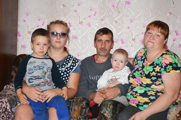 Большая семья Снапковых из Мешково – прежде всего их большая радость