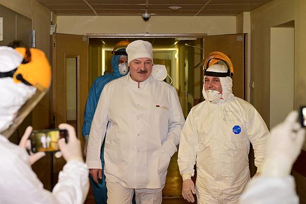 Тема недели: врачи делают большое дело — Лукашенко