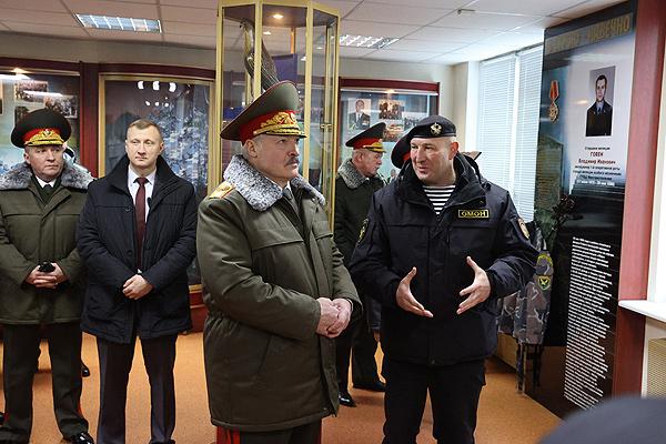 Тема недели. Лукашенко: наш долг — сохранить страну