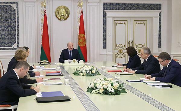 Тема недели: Лукашенко провел совещание по подготовке VI Всебелорусского народного собрания
