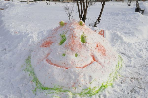 Конкурс на лучшую снежную скульптуру прошёл в Толочине (+фото)