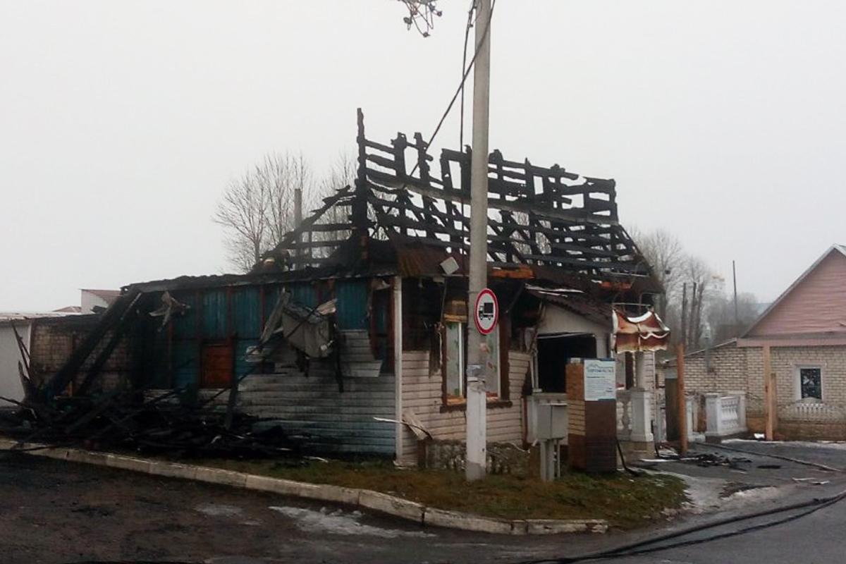 Магазин сгорел 3 января в центре Толочина