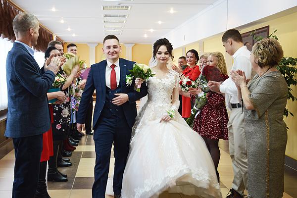 Первый в наступившем году брак зарегистрирован в Толочине