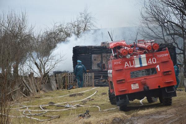 Женщина 1940 года рождения погибла при пожаре в Толочинском районе (+фото)