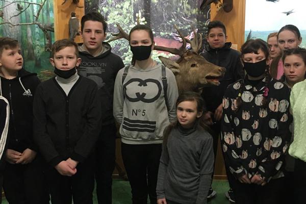Ученики Жукневской школы побывали на экскурсии в музее